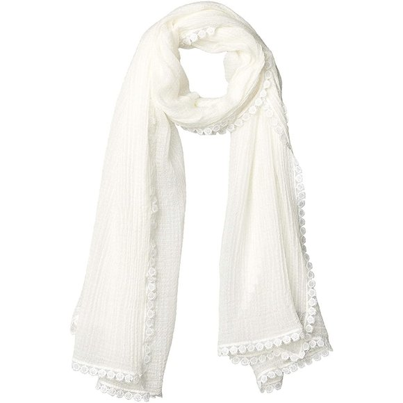 NWT VINCE CAMUTO IVORY SCARF